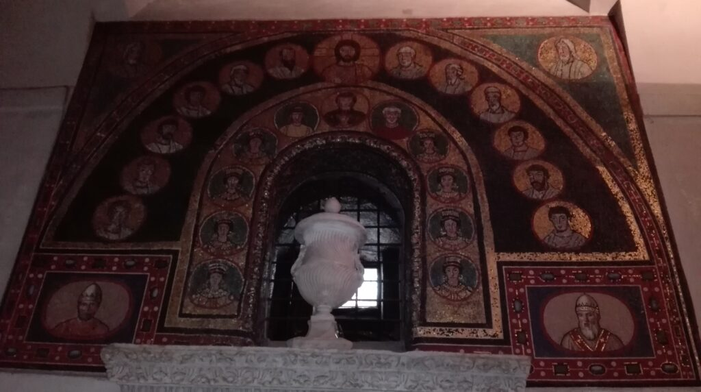 Ingresso sacello di San Zenone