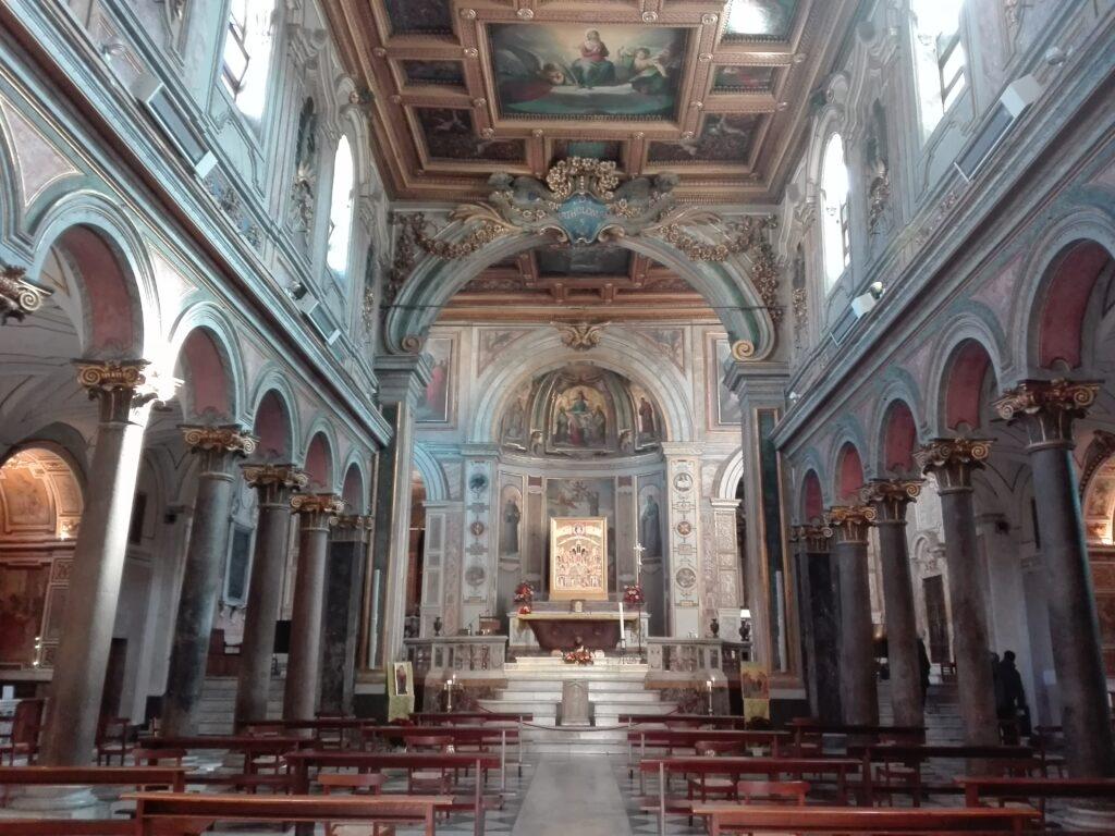 Interno chiesa di San Bartolomeo all'Isola, Roma
