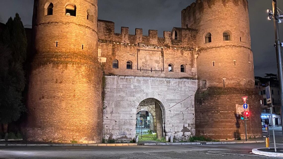 Porta San Paolo by night